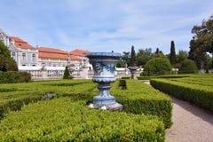 Slotten av Queluz är en lokaliserad för thårhundrade för portugis 18 slott Arkivbild