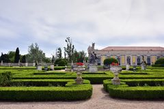 Slotten av Queluz är en lokaliserad för thårhundrade för portugis 18 slott Arkivfoto
