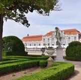 Slotten av Queluz är en lokaliserad för thårhundrade för portugis 18 slott Arkivfoton