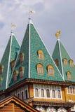 Slotten av tsar Alexey Mikhailovich i Kolomenskoye parkerar Royaltyfri Fotografi