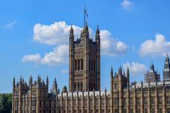 Slotten av Westminster & x28; Hus av parlamentet royaltyfri bild