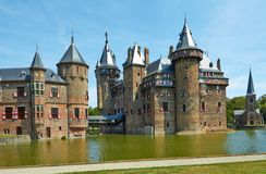 Slotten De Haar lokaliseras, i landskapet av Utrecht royaltyfri bild