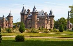 Slotten De Haar lokaliseras, i landskapet av Utrecht arkivfoton