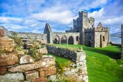 Slotten för domkyrkainsidaPeel på ön för St Patrick ` s, Peel, ö av mannen Arkivfoto