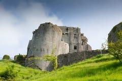 Slotten fördärvar Corfe Dorset England Purbeck kullar Arkivfoto