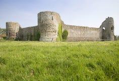 Slotten fördärvar, Pevensey, England arkivfoton