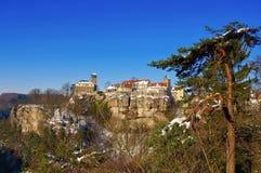 Slotten Hohnstein i vinter Fotografering för Bildbyråer