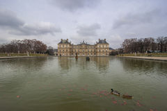Slotten i de Luxembourg trädgårdarna, Paris, Frankrike Fotografering för Bildbyråer