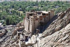 Slotten i den Leh staden, Ladakh, Indien Arkivbilder