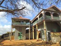 Slotten Mahandrihono och kungliga gravvalv på den kungliga kullen Ambohi Royaltyfria Bilder
