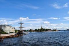 slotten petersburg för nevaen för museet för kunstkameraen för antropologibroetnografi lyftte flodrussia st St Petersburg Royaltyfri Bild