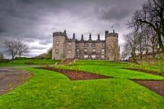 slottet arbeta i trädgården kilkenny Arkivbilder