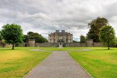 slottet co galway arbeta i trädgården den ireland portumnaen Royaltyfria Foton