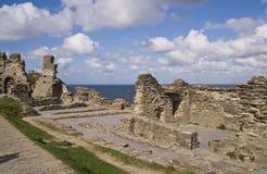slottet fördärvar tintagel arkivfoto