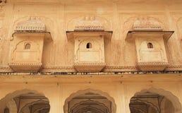 Slottfönster i Jaipur. Arkivbilder