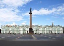 Slottfyrkant i St Petersburg Arkivbild
