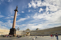 Slottfyrkant i St Petersburg Royaltyfri Fotografi