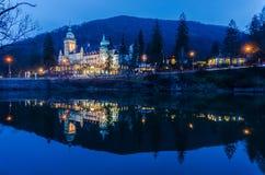 Slotthotell på natten Royaltyfri Fotografi