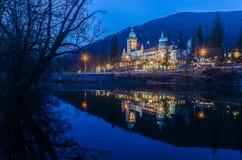 Slotthotell på natten Fotografering för Bildbyråer