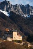 slottliggandeberg v Arkivfoto