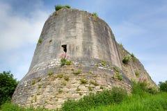 Slottmuren med tinnar fördärvar Corfe Dorset England Purbeck kullar Arkivfoton