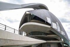 Slottmusik, modern museumarkitektur i den spanska staden av Royaltyfri Foto