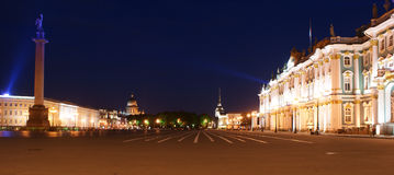 slottpanoramapetersburg russia fyrkantig st Royaltyfria Foton