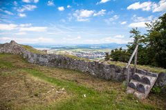 SlottPusty hrad, Slovakien royaltyfria bilder