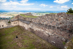 SlottPusty hrad, Slovakien Arkivfoton