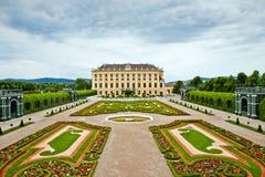 slottschonbrunn vienna royaltyfri bild