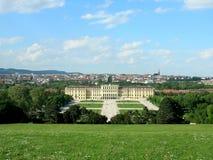 _ slottschonbrunn vienna arkivbild