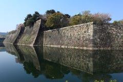 Slottvägg av den Osaka staden, Japan Arkivbilder