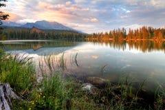 Slovakia好的湖-高Tatras的Strbske普莱索在夏天 免版税库存图片