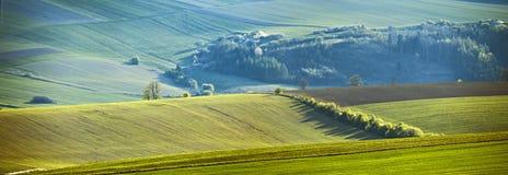slovakia wiosna Kwietni pogodni wzgórza Wsi panorama zdjęcie stock