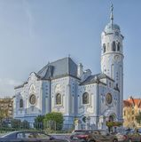 Slovakien Bratislava - November 5th, 2017 historisk gammal stad, byggnader från austro-ungrare välde Slösa kyrkan Fotografering för Bildbyråer