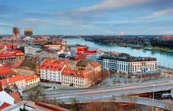Slovakien - Bratislava på natten arkivbild