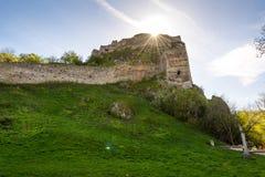 Slovakien Devin slott Gammalt fördärvar av den historiska slotten Devin, nära Slovakien huvudstaden Arkivbilder
