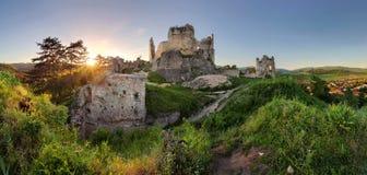 Slovakien slott - Divin arkivbild