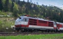 Slovakiska järnvägar för elektrisk lokomotiv 350014-7- Arkivbild