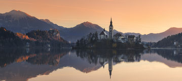 slovenia Morgon på den blödde sjön Arkivbild
