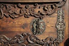 Slowakije, Bratislava - November vijfde, de historische oude stad van 2017, gebouwen van austro-hungarian imperium Ingangs houten Royalty-vrije Stock Fotografie