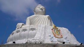 Slowmotion steadicam schoss von einer gro?en Buddha-Statue auf Phuket-Insel Reise zu Thailand-Konzept stock footage
