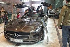 Sls di Mercedes che gullwing sull'esposizione Immagini Stock