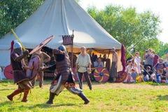 slåss medeltida Arkivbilder