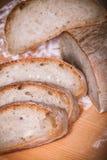 Sluit blik aan naar huis gemaakt brood Royalty-vrije Stock Foto's