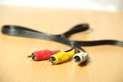 Sluit omhoog beeld van de kabels van TV Stock Foto's