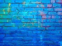 Sluit omhoog beeld van geschilderde bakstenen muuroppervlakte stock afbeeldingen
