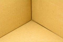 Sluit omhoog binnen van bruine kartondoos Stock Fotografie