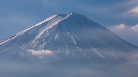 Sluit omhoog bovenkant van sneeuw behandelde hoogste Fuji-Berg, Japan Stock Foto