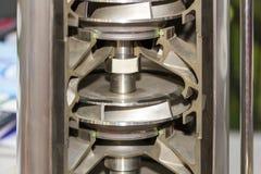 Sluit omhoog de drijvende kracht van het dwarsdoorsnededetail en verticale pomp van de binnenkant de centrifugaal meertrappige ri royalty-vrije stock foto's